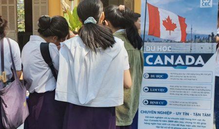 [Sự kiện] Hành trình hướng nghiệp tại Trường THPT Nguyễn Thị Minh Khai